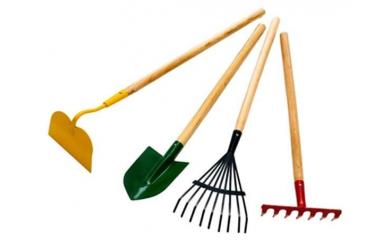 Лопаты, грабли, вилы, черенки
